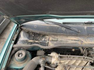 Motorraum vor Eisreinigung